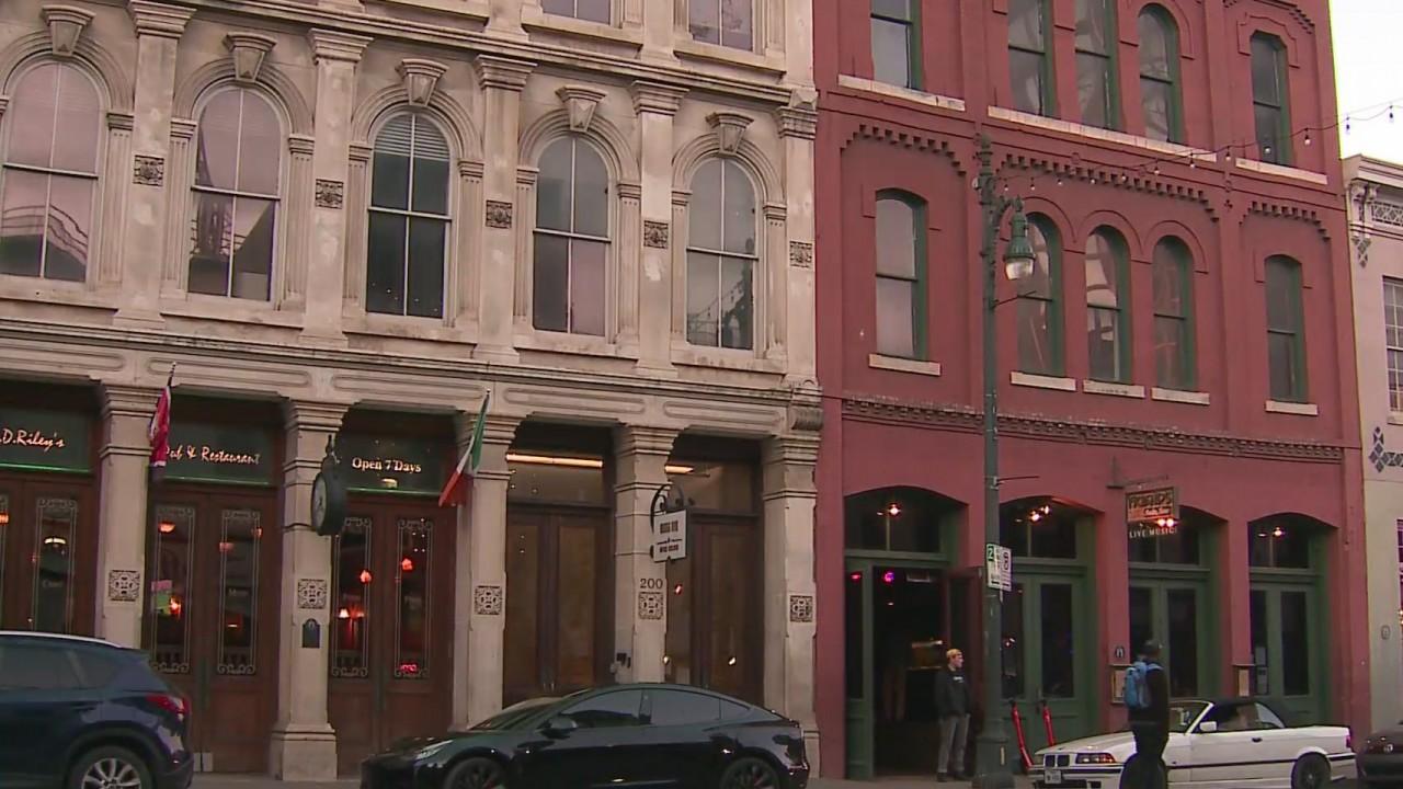 How Secure Are Austin S Bars San Antonio Shooting Raises