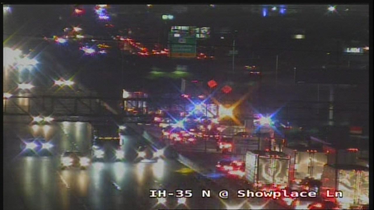 Crash involving at least two 18-wheelers shuts down I-35 near Rundberg Lane
