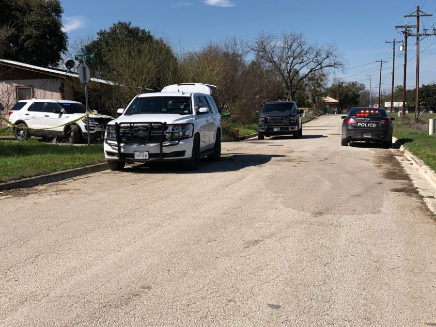 Law enforcement investigating a triple homicide at a home in San Saba Feb. 21, 2020 (KXAN Photo/Jody Barr)