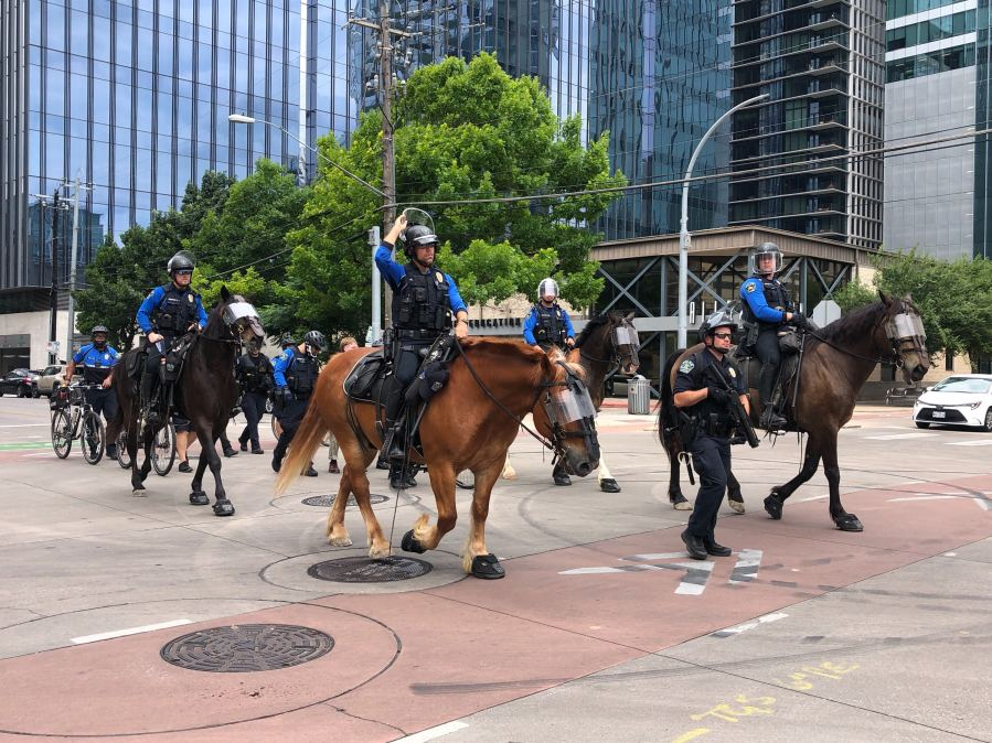 APD officers during protest downtown Austin 5-31-20