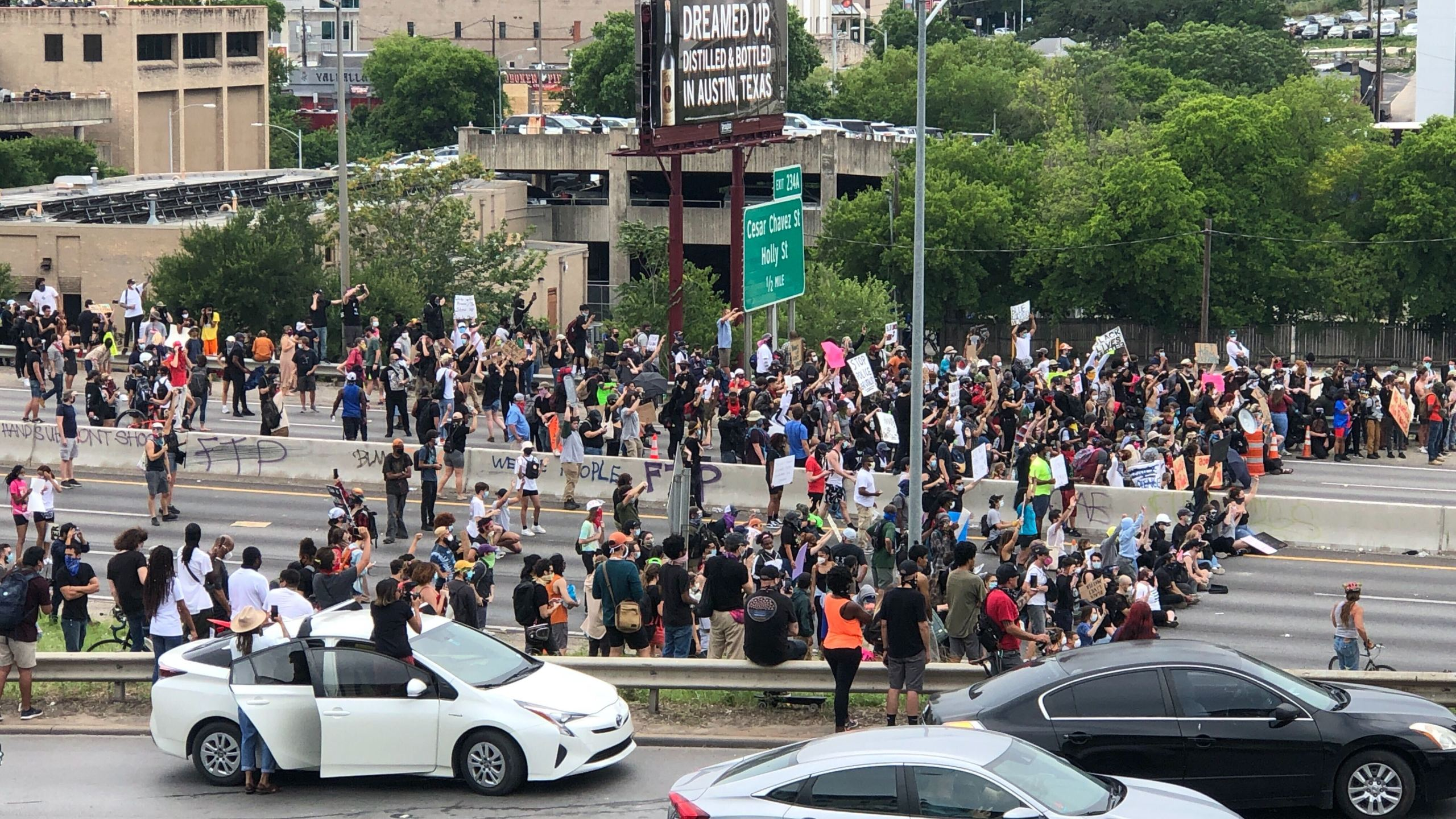 Protesters move onto I-35 5-31-20