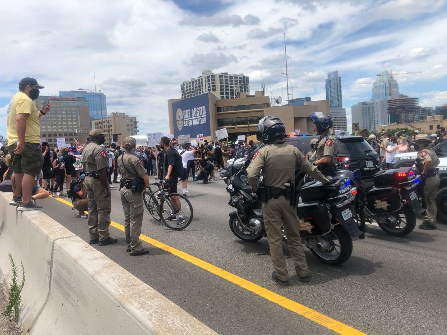 Protesters flooded I-35 during the protest outside APD HQ on May 30, 2020 (Picture: KXAN/Todd Bynum)