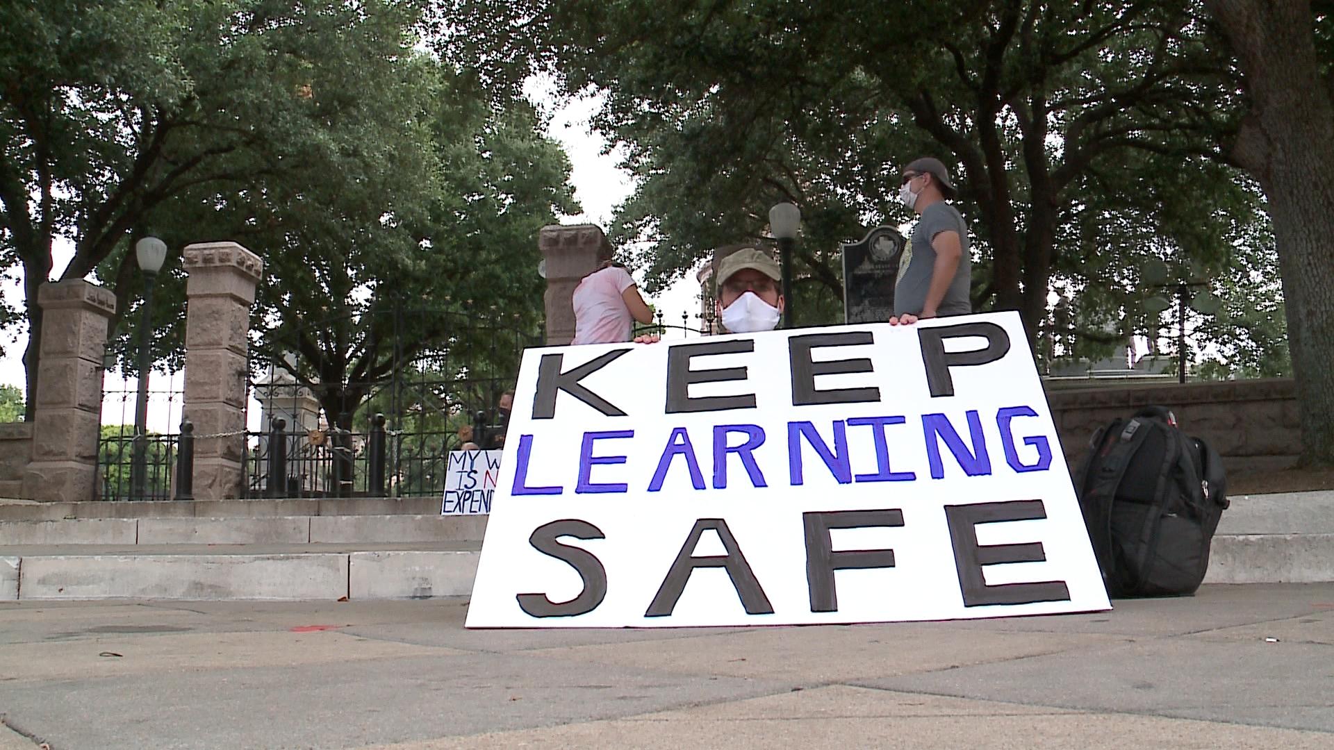 TEACHER CAPITOL PROTEST