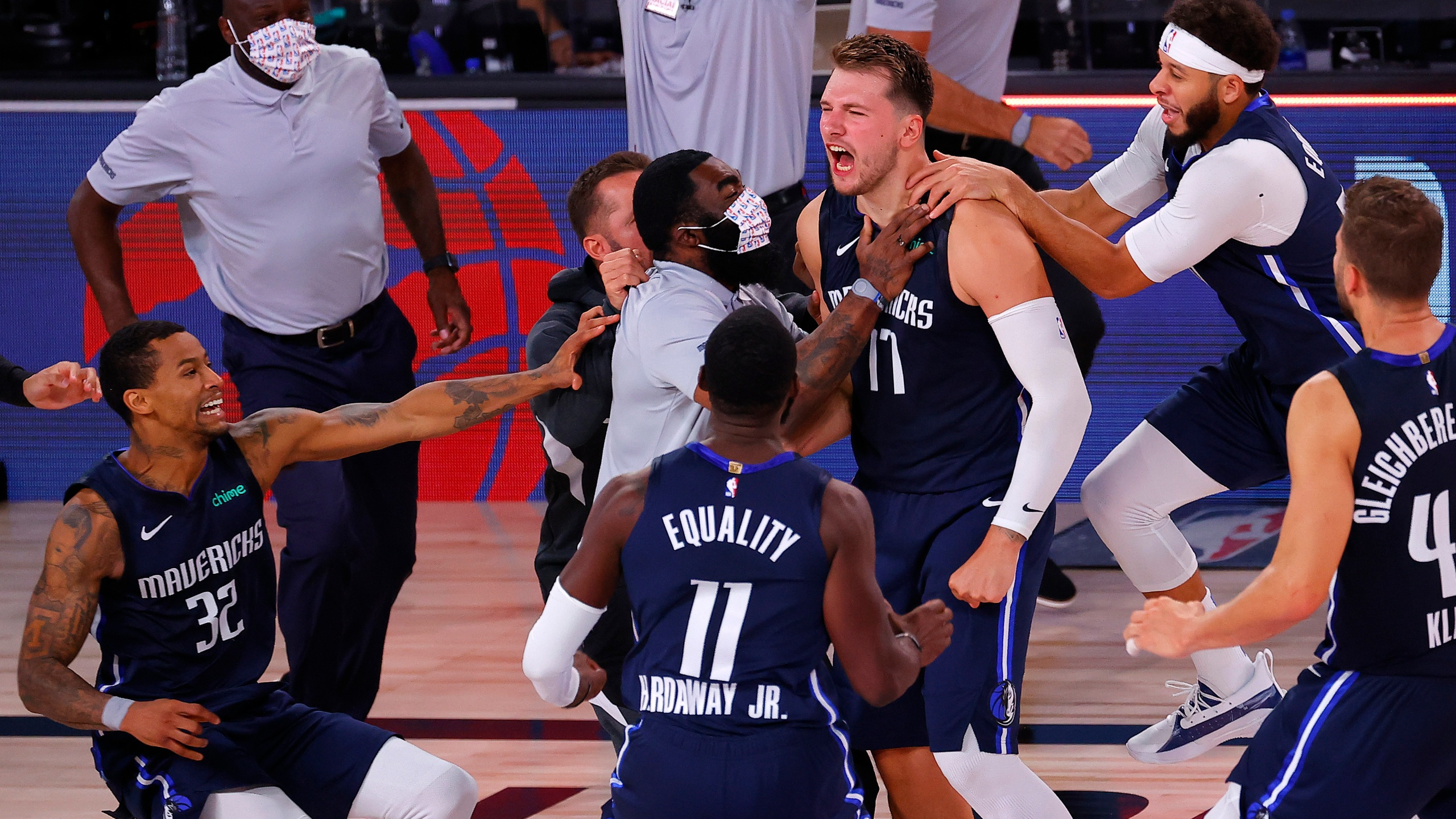 Social Reaction Luka Doncic Silences Clippers With Game Winner For Mavericks Kxan Austin