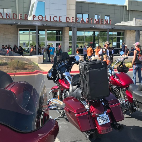 leander police department rally
