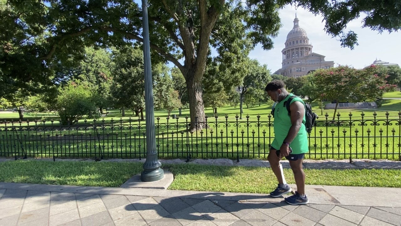 Fort Worth Attorney Completes 200 Mile Walk To Austin Hopes To Meet With Gov Abbott About Police Reform Kxan Austin