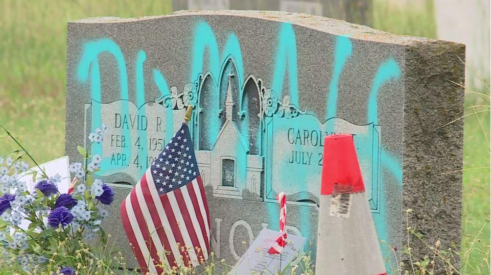 headstones evergreen cemetery