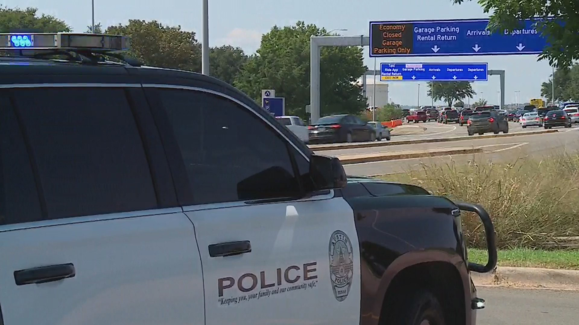 Law enforcement investigated a suspicious package at the Austin Bergstrom International Airport Sept. 18, 2020 (KXAN Photo)