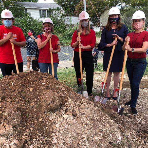 Groundbreaking for new Rosedale School (KXAN Photo/Frank Martinez)