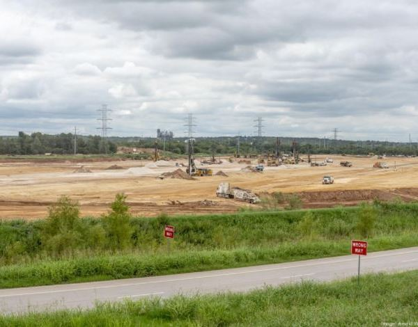 Site work is underway on the $1.1 billion Tesla factory rising at Harold Green Road and State Highway 130 in far East Austin. (Austin Business Journal Photo/Arnold Wells)