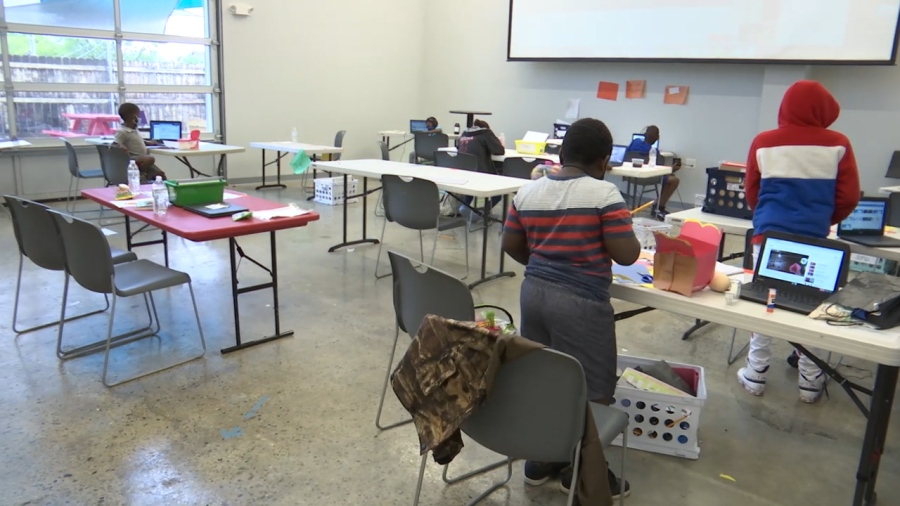 Students work at the West Nashville Dream Center (WKRN Photo)