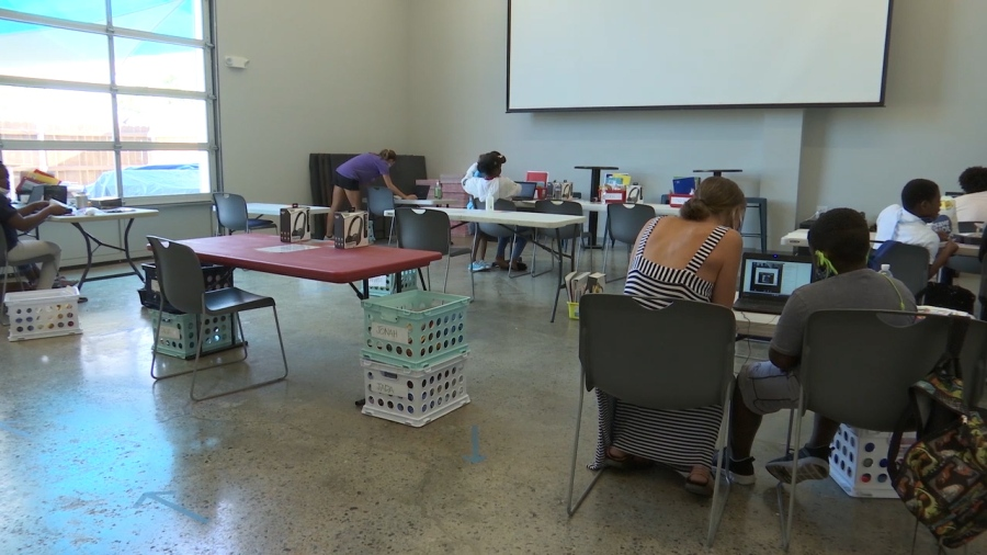 Students and volunteers work at the West Nashville Dream Center (WKRN Photo)