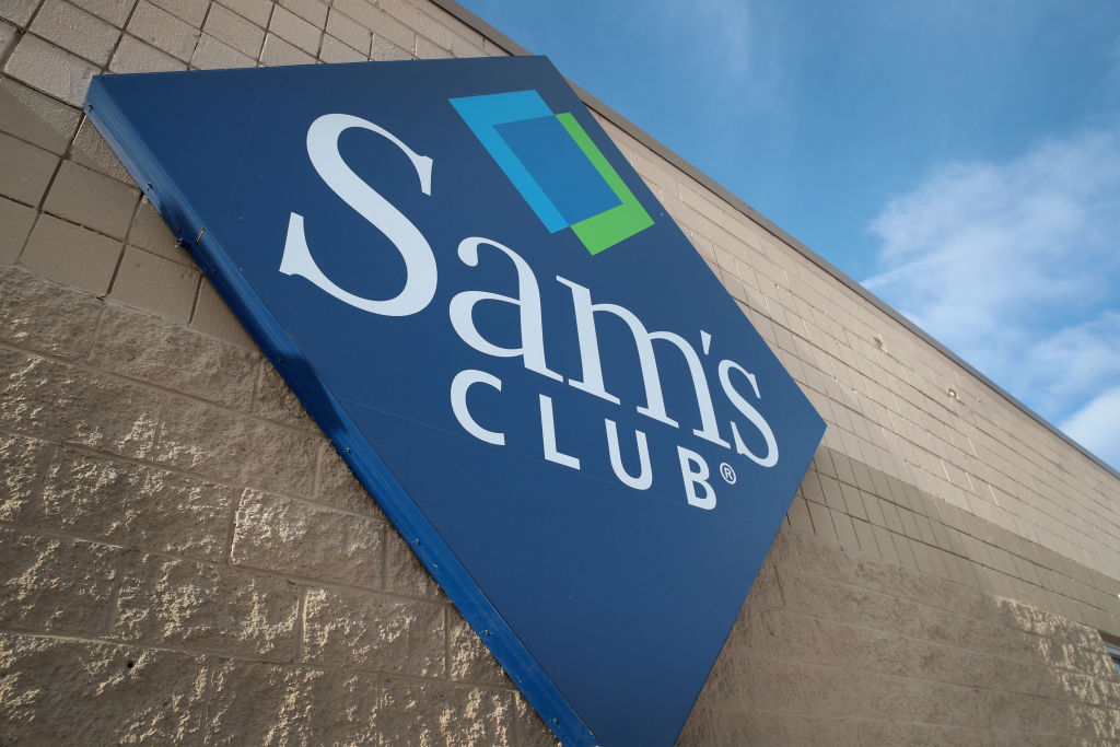 Child gets into mother's purse, accidentally fires gun inside Sam's Cl... image