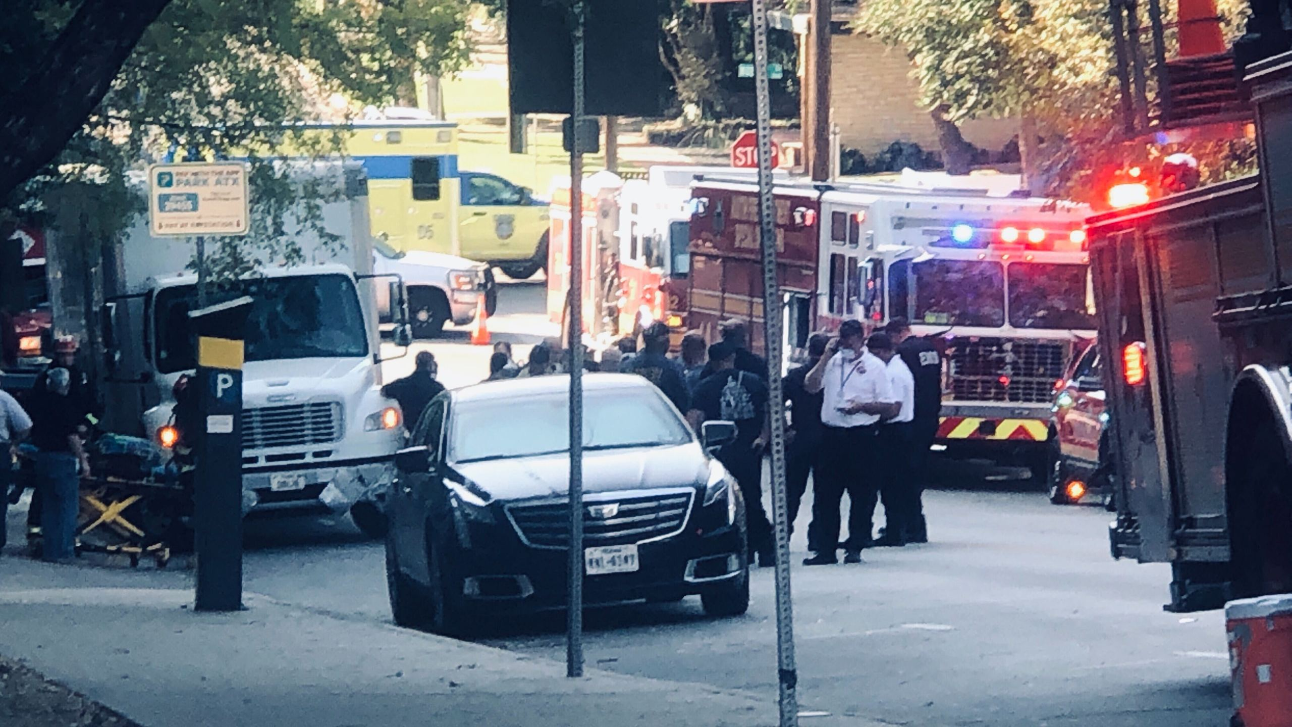 First responders on scene of chlorine gas leak in downtown Austin Oct. 14 (KXAN/Frank Martinez)