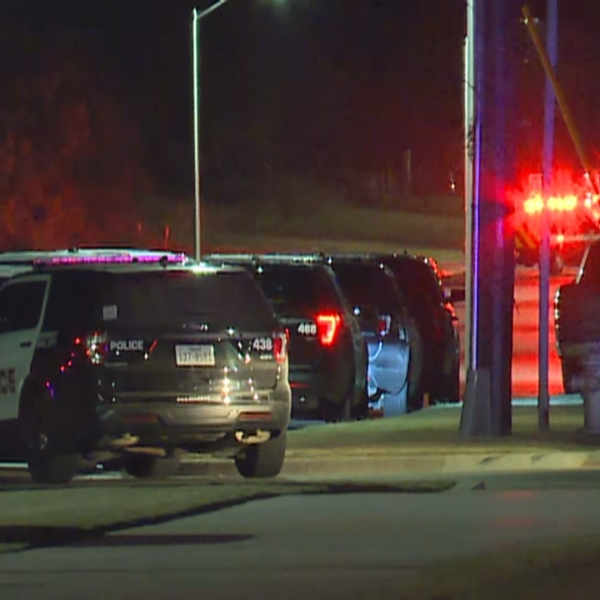 Law enforcement at an overnight SWAT standoff on Waterfall Avenue in Leander. (KXAN Photo/Andrew Choat)