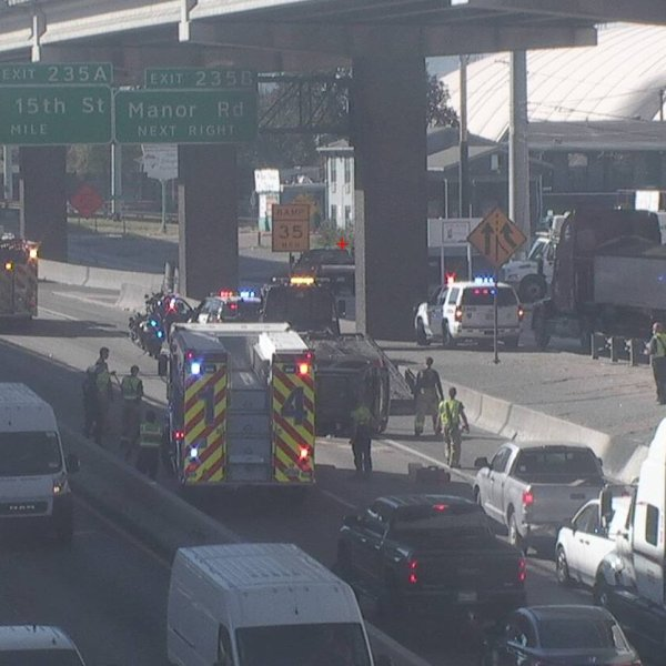 A crash on Interstate 35 near 32nd Street Nov. 18, 2020 (Austin Transportation Department Photo)