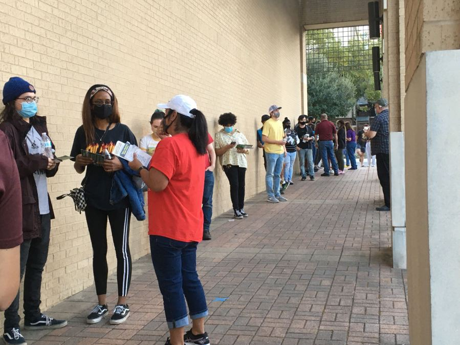 Voters in line at Texas State University around 5:30 p.m. Nov. 3, 2020 (KXAN Photo/Mercedes Gonzales)