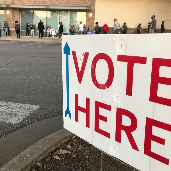 Voting line at the Randall's on Gattis School Road in Williamson County Nov. 3, 2020 (KXAN Photo/Ed Zavala)