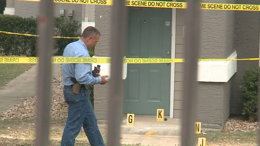 A investigator at the scene of a police shooting in Pflugerville Nov. 20, 2020 (KXAN Photo/Julie Karam)