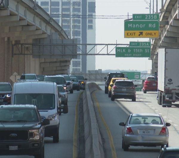 Traffic on I-35 through downtown Austin. (KXAN Photo/Candy Rodriguez)