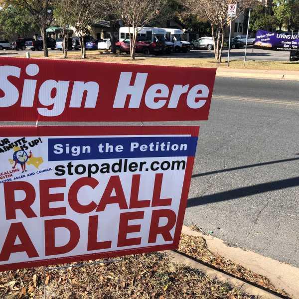Recall Adler sign (KXAN/Ed Zavala)
