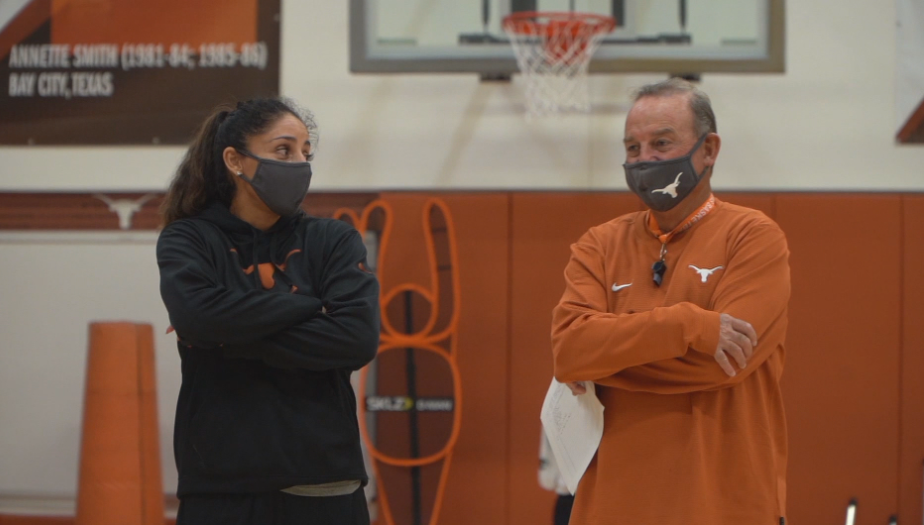 Vic Schaefer Longhorns basketball