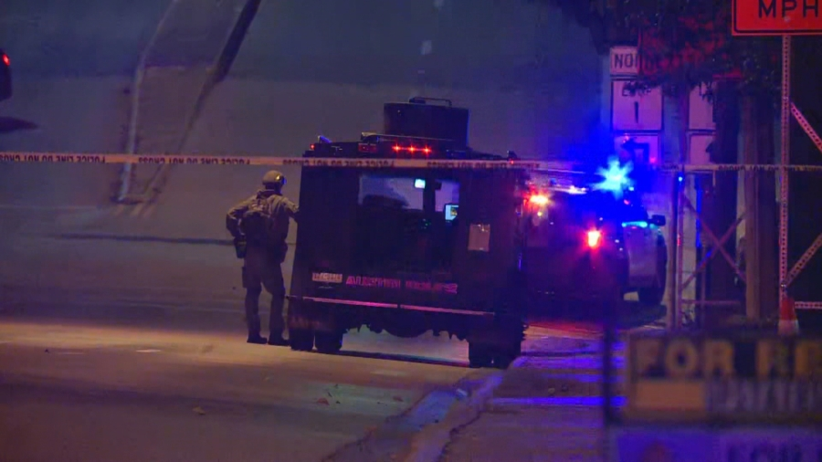 SWAT responded to a hostage situation on West 35th Street Jan. 26, 2021 (KXAN Photo/Andrew Choat)