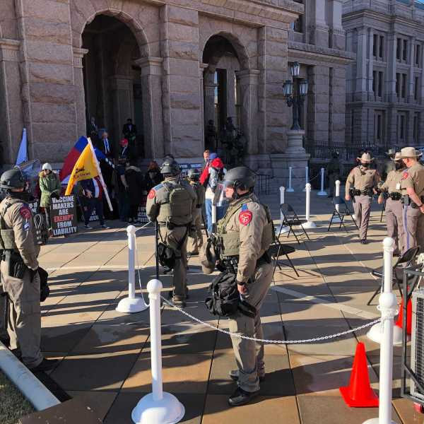 Armed security at Texas Capitol on Jan. 12, 2020, the start of the 87th Legislative session (KXAN Photo/Julie Karam)