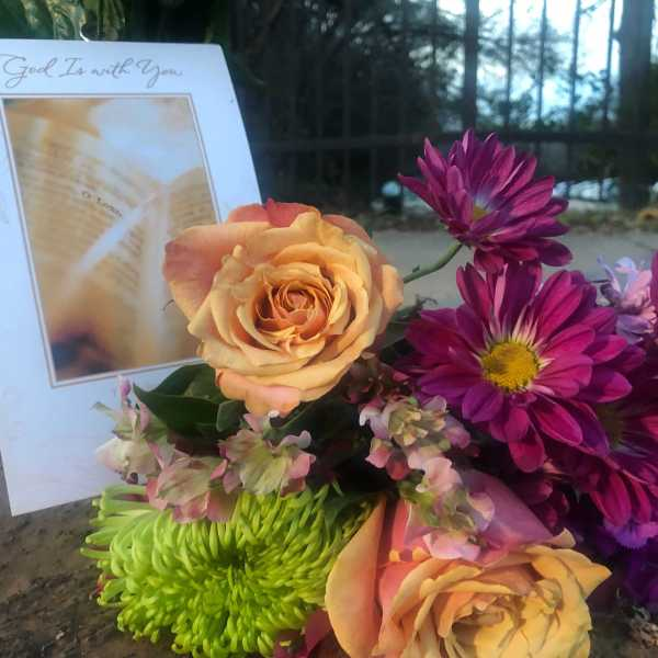 Memorial for Alex Gonzales on Wickersham Lane (KXAN/Frank Martinez)