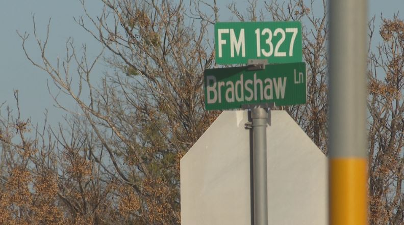 Intersection of FM 1327 and Bradshaw Road in southeast Austin. (KXAN Photo/Candy Rodriguez)