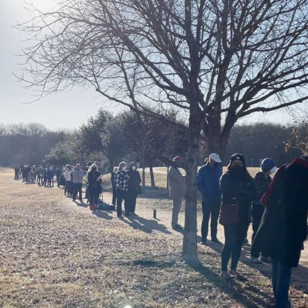 A long line stretches outside one of the Travis County COVID-19 vaccine clinics just before 10 a.m. Jan. 14, 2020 (KXAN Viewer Photo)