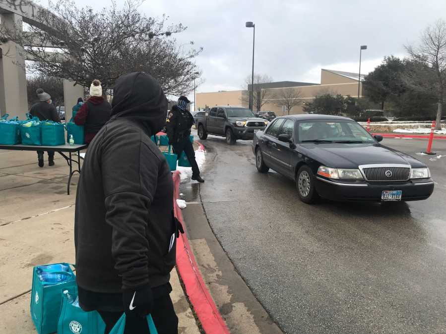 The City of San Marcos distributed water Feb. 18, 2021 (KXAN Photo/Tim Holcomb)