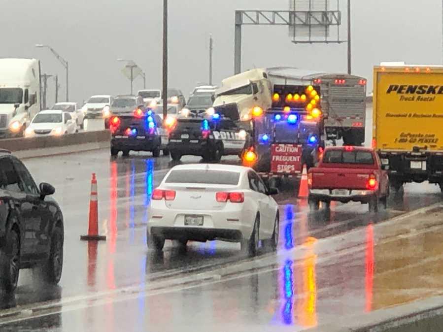 18-wheeler collision in Round Rock (KXAN/Chris Nelson)