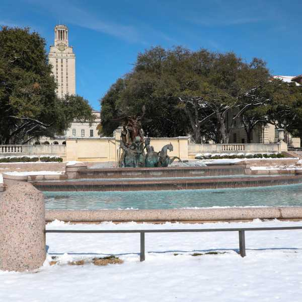University of Texas at Austin covered in snow Feb. 17, 2021 (Photo: Ashley Miznazi)