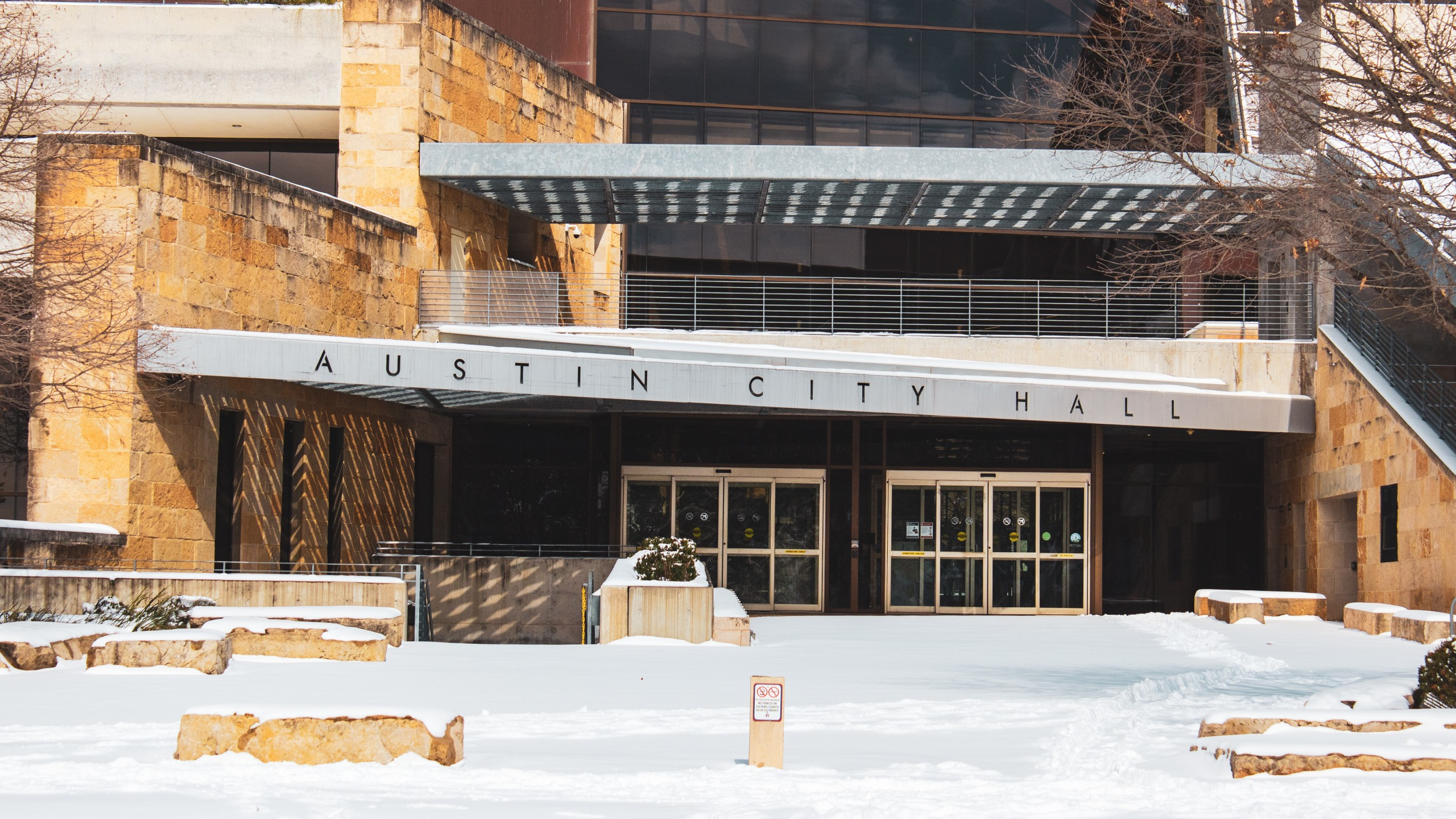 Austin City Hall on Feb. 15, 2021 (Saul Hannibal Photo)