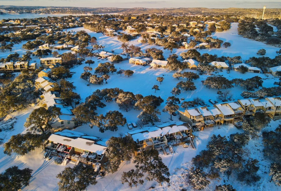 Snowy homes in Point Venture, Texas Feb. 15, 2021 (Courtesy Mischa Baeza)