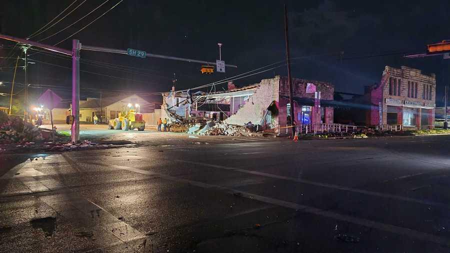 Damage along SH 29 in Bertram, Texas (KXAN Photo/Andrew Choat)