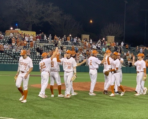 Texas Longhorns baseball wins