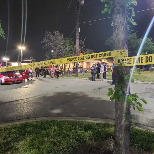 Austin police investigating homicide in busy north Austin shopping area April 14, 2021 (KXAN Photo/Andrew Choat)