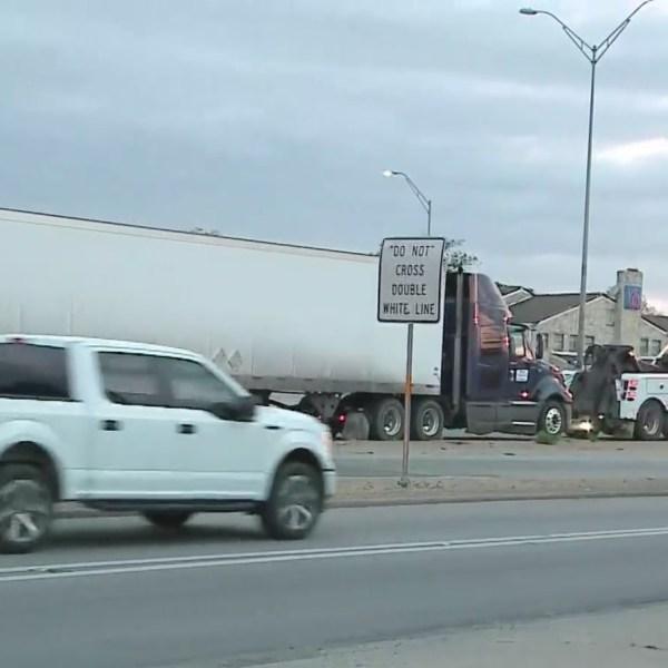 I-35 crash 18-wheeler