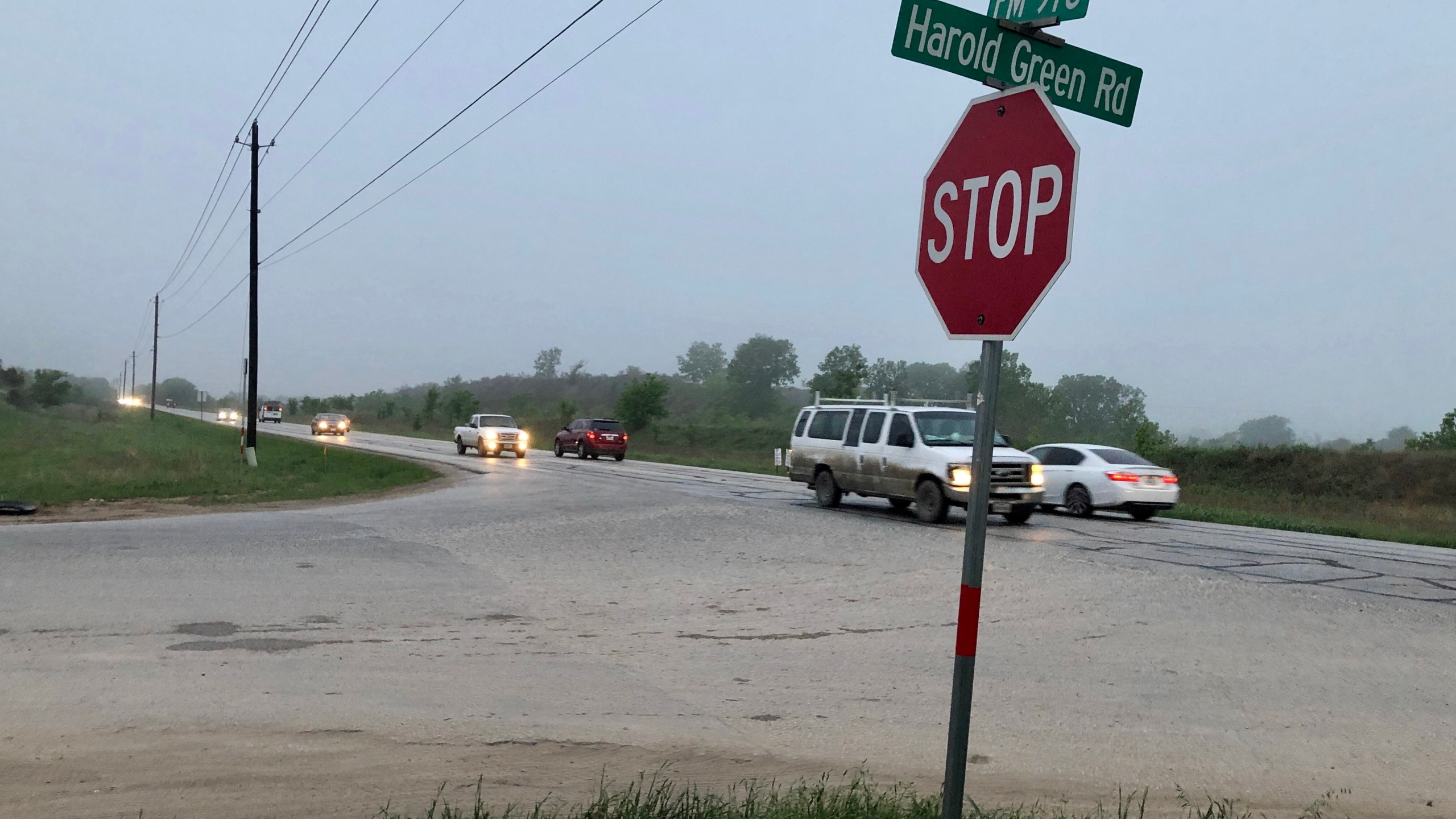 Traffic at the corner of FM 973 & Harold Green Road in southeast Travis County. (KXAN Photo/Julie Karam)