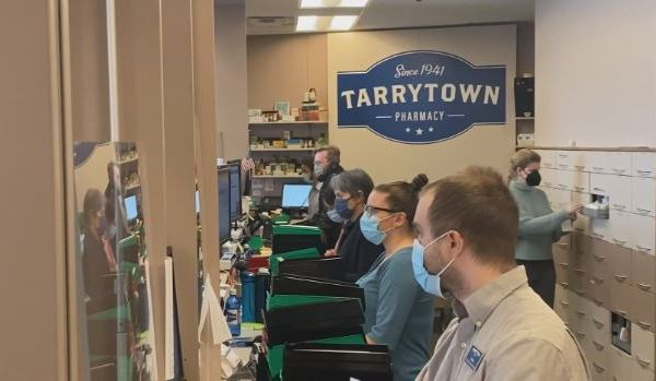 Tarrytown Pharmacy steps in to help blind and deaf community get vaccinated