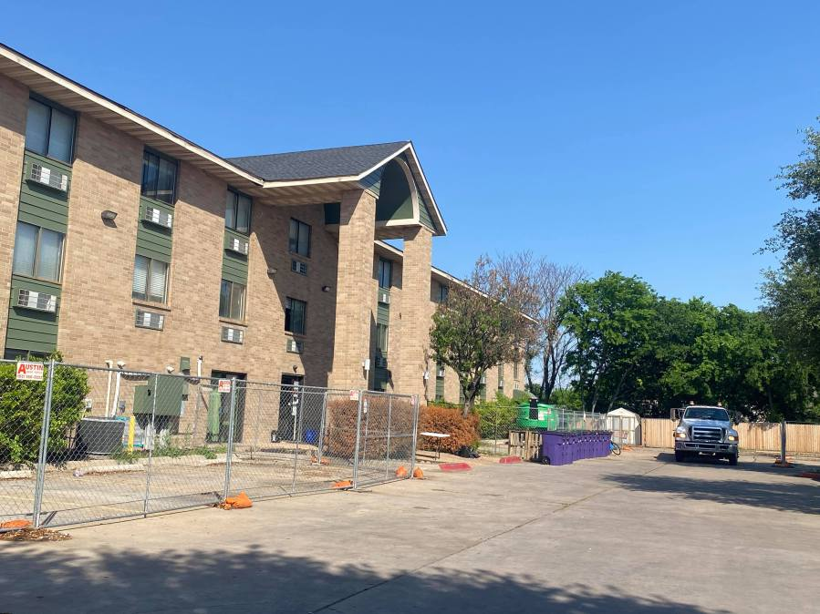 Former hotel to be used to shelter encampment residents under HEAL initiative. (KXAN/Kaitlyn Karmout)
