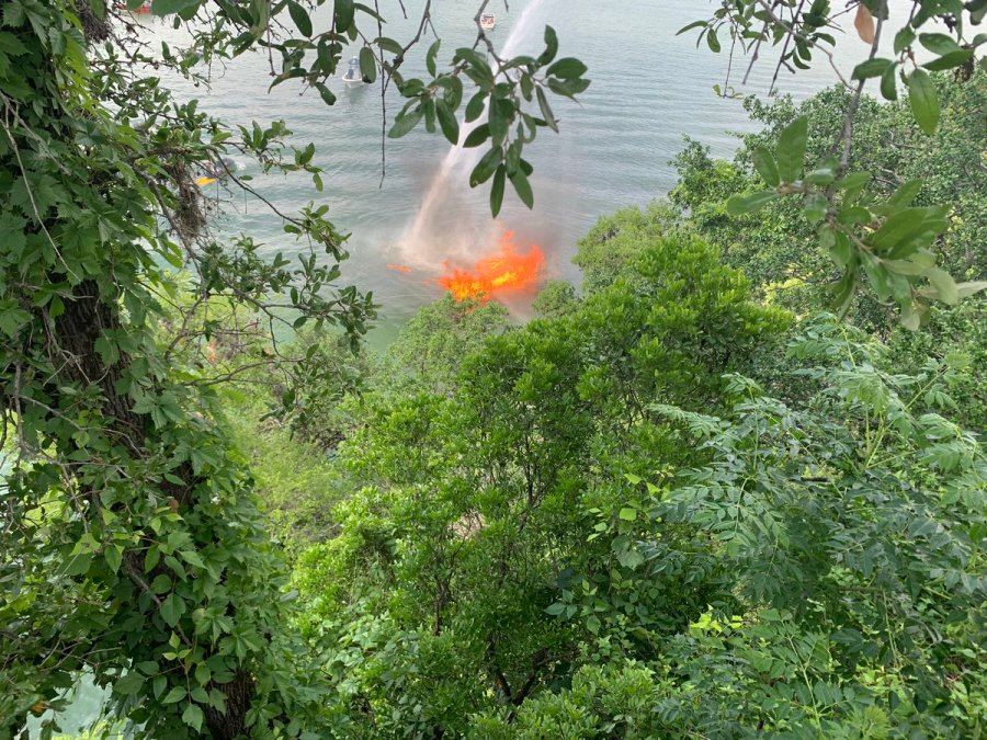 Boat catches fire on Lake Austin near Hula Hut and the Tom Miller Dam (Austin Fire Department Photo)