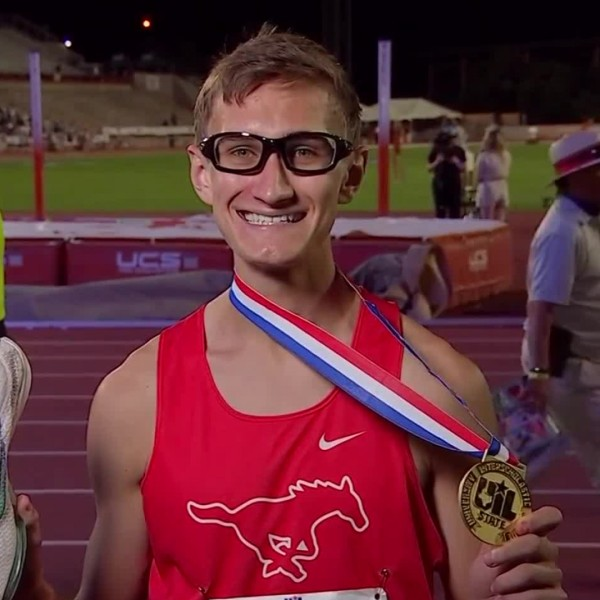 Grapevine HS runner wins with one shoe