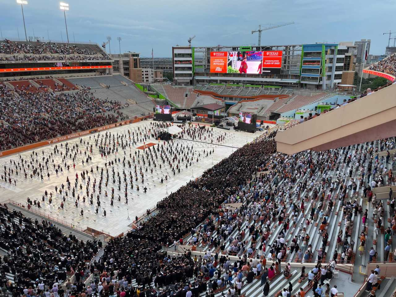 WATCH: UT-Austin celebrates Class of 2021 at commencement ceremony