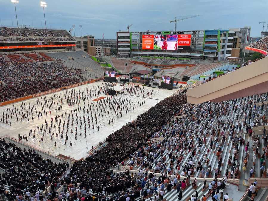 UT commencement ceremony 2021