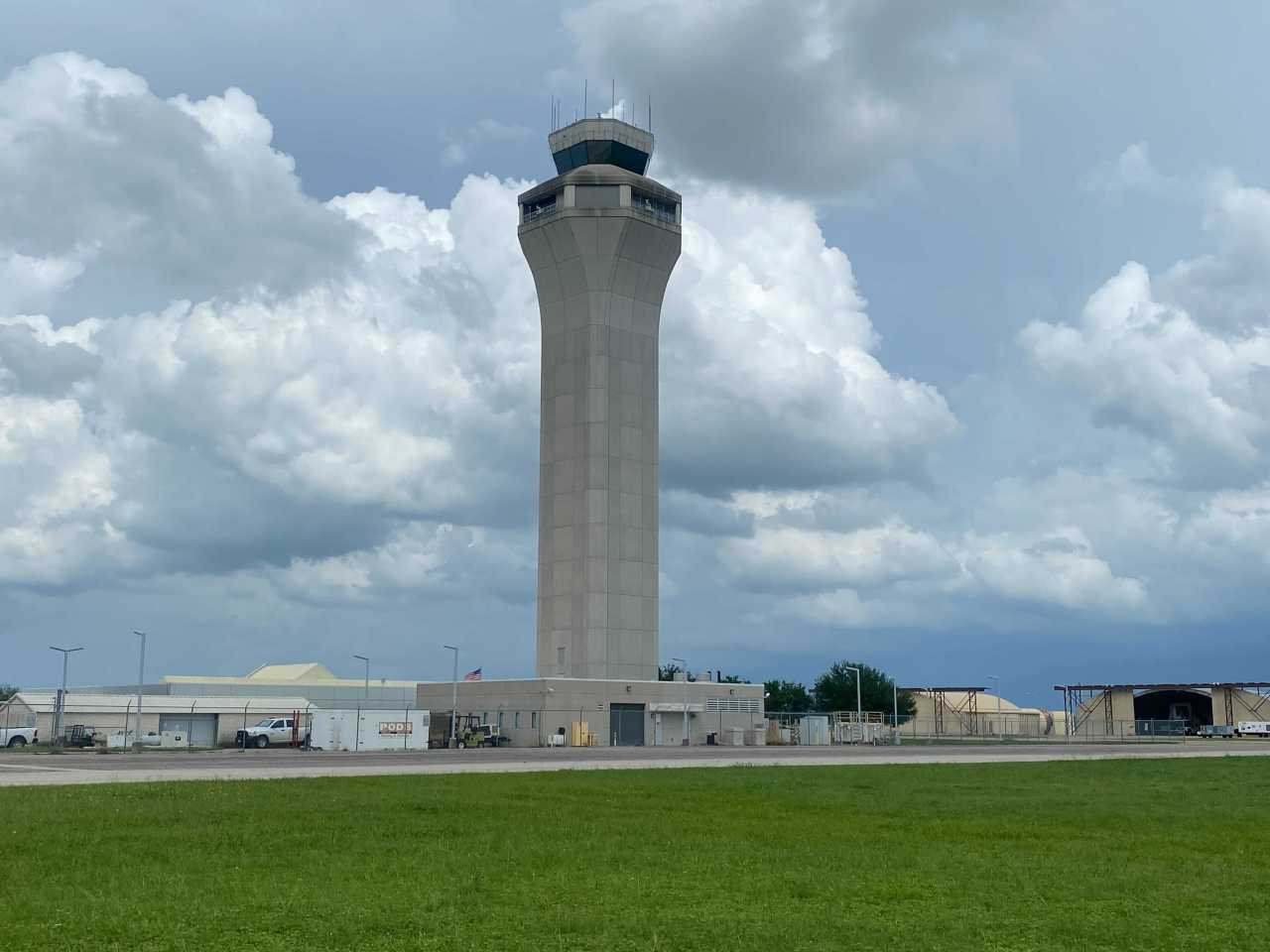 Austin airport tower closed temporarily, both arrivals and departures delayed
