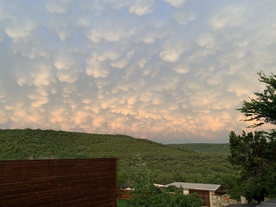 Mammatus clouds in Leander (Courtesy of Gabriela Diana)