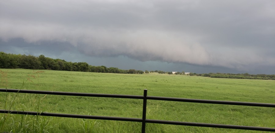 Storm clouds approaching the Hoover Valley area west of the City of Burnet (Courtesy: Karen Eaton)
